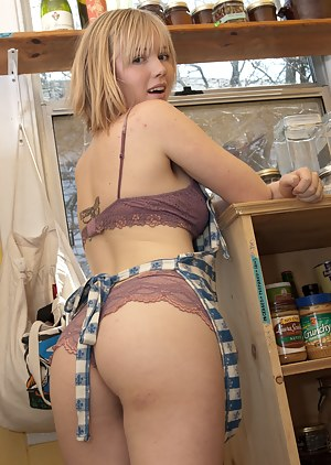 Free Teen Solo Porn Pictures