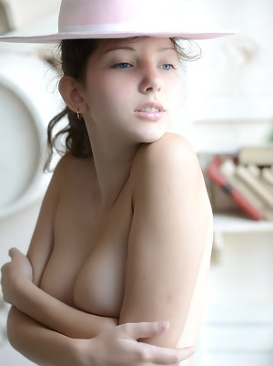 Free Erotic Teen Porn Pictures